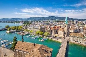 Landscape photo of Zurich seen from the air.